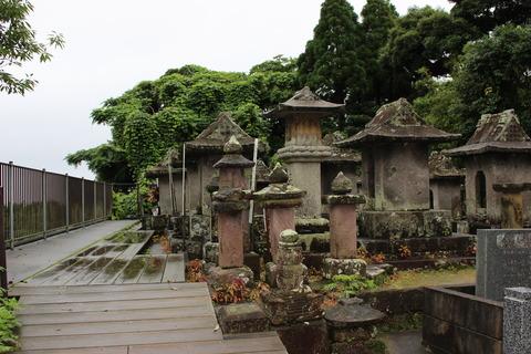 小松帯刀公墓所