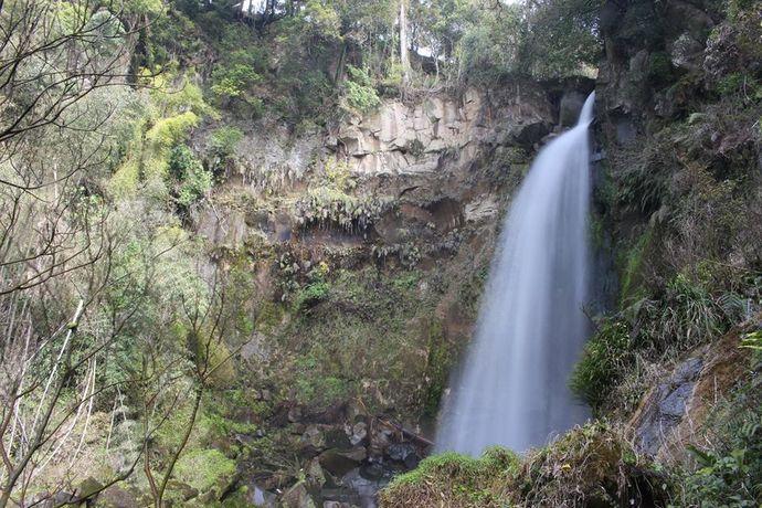 比志島の滝:鹿児島中央駅から10kmにある落差17mの滝
