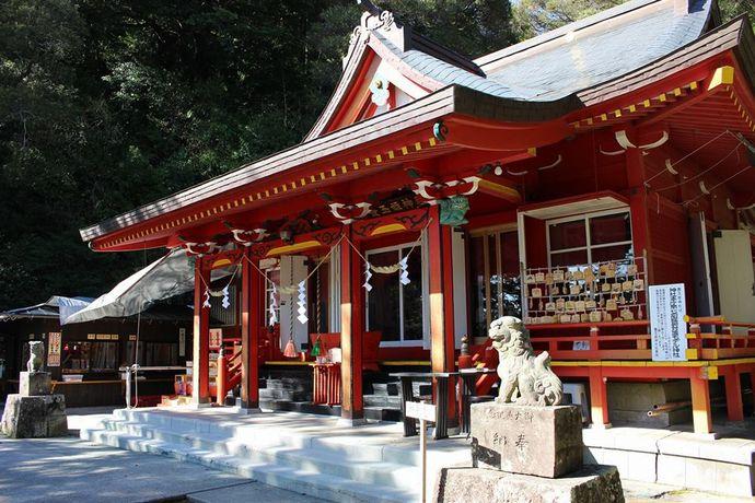 豊玉姫神社の社殿