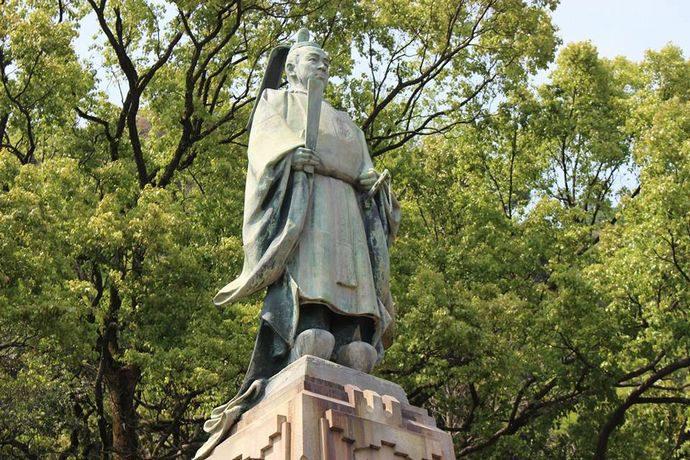 鹿児島の観光スポット。照国神社にある島津斉彬公像