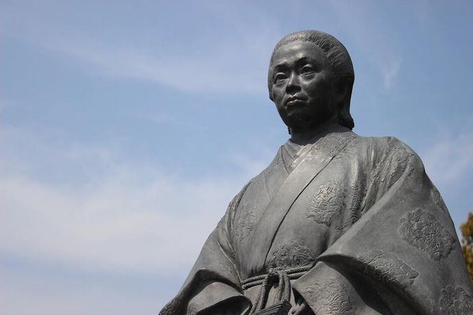 天璋院篤姫像:島津分家の出ながら将軍御台所へ