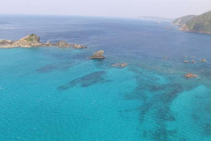 【南さつま市】ここは南の島??坊津 沖秋目島付近の空撮