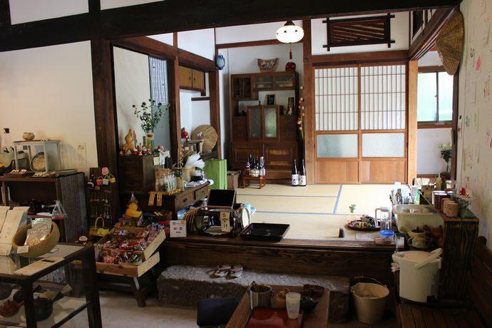 茶いっぺのみやんせ!きりしまのよかもん:霧島市 きりん商店こそ小売店の過去と未来をつなげるお店の姿