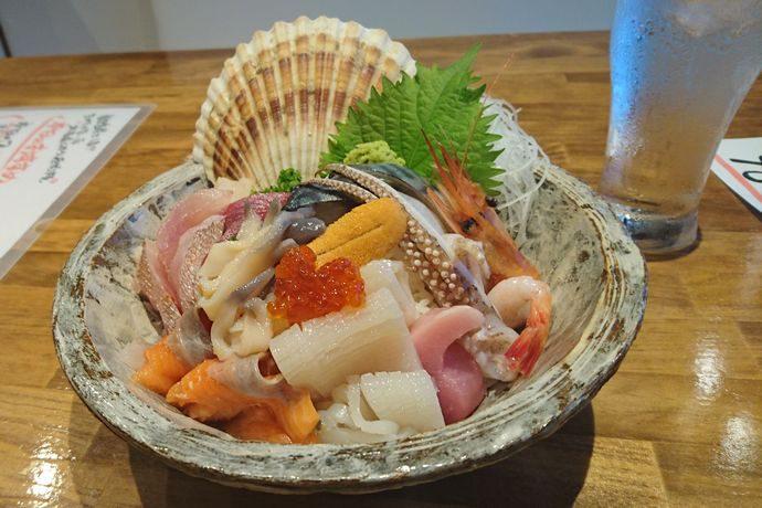 北海道レストラン原始焼の海鮮丼