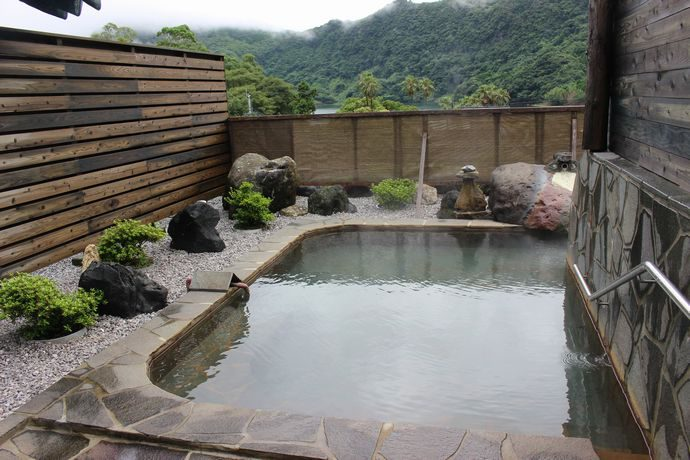 うなぎ湖畔:鰻池を望むロケーションと静かな環境で身も心も癒す @指宿
