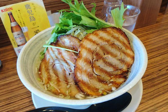 サカノウエ ユニーク(Sakanoue Unique):さっぱり系ゆず風味のとりそばが夏にマッチ! @坂之上