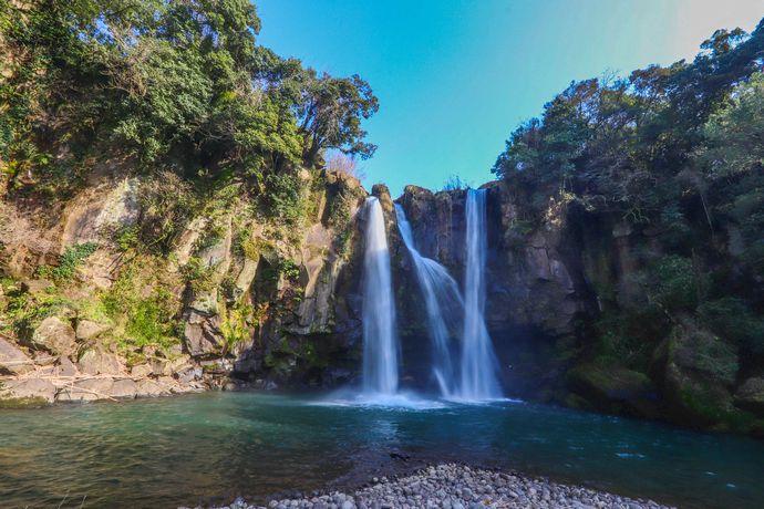 【さつま町】永江の滝:落差21m 流れ矢の入り江が由来となった三国名勝図会にも残る滝