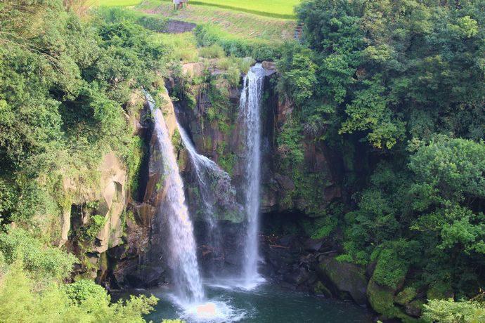 永江の滝:落差21m 流れ矢の入り江が由来となった三国名勝図会にも残る滝 @さつま町