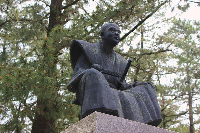 調所広郷(ずしょひろさと)像:薩摩藩きっての能吏 汚れ役に徹した藩政改革
