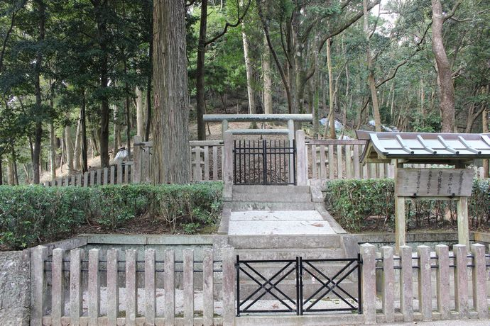 【霧島市】高屋山上陵:鹿児島空港からほど近い位置にある神代三山陵のひとつ。
