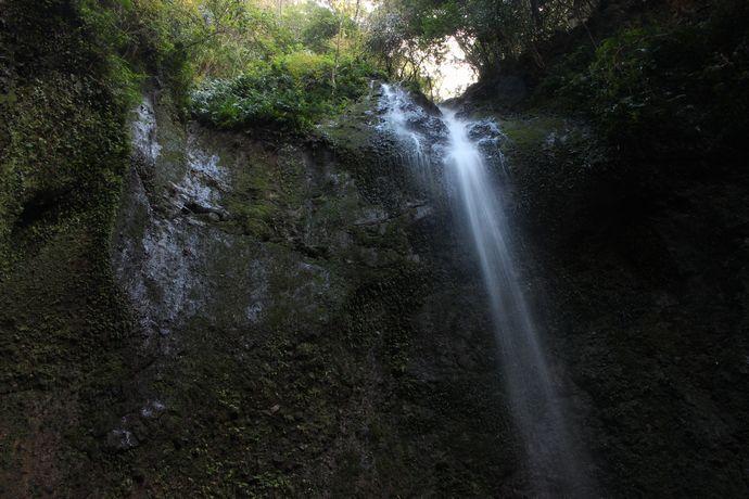 【姶良市】女山滝:温泉とお食事を楽しめる渓谷苑にある滝