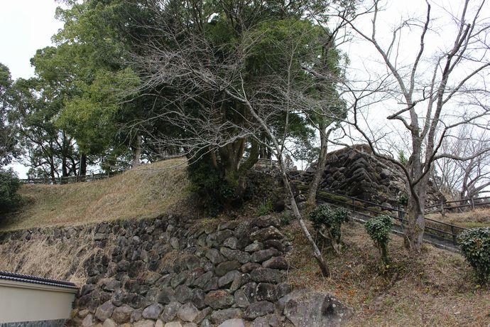 【湧水町】松尾城(栗野)跡:鹿児島では珍しい野面積みの石垣に感動!朝鮮出兵(文禄の役)で島津義弘公が出陣した城