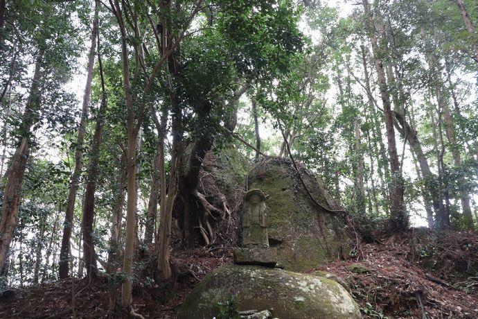 【鹿児島市】山の中の田の神さぁ:旧松元町入佐の史跡巡り その1