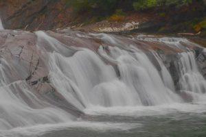 【肝付町】轟の滝:大隅を代表する自然の滑り台が体験できる滝と言えばココ!