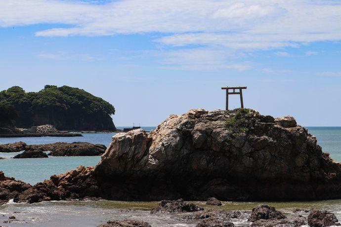 【阿久根市】戸柱公園と光礁:与謝野夫妻も歌に詠んだ阿久根七不思議のひとつ