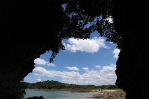 【阿久根市】佐潟の洞窟:阿久根の七不思議のひとつを訪ねたら子供のころの夏休みを思い出した
