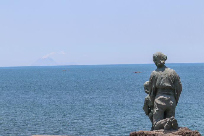 【指宿市】花瀬望比公園:遠くフィリピンの地で亡くなられた方々の慰霊と世界平和を祈念する地