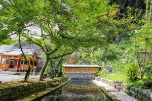 【南九州市川辺町】水元神社:清流が流れる神社へ約800年前に中国で造られた薩摩塔を訪ねてきた