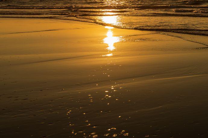 吹上浜の波打ち際