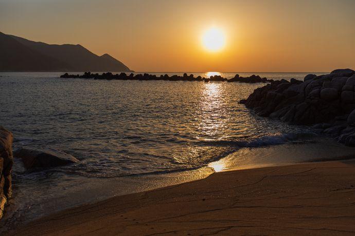 岸良海岸の日の出