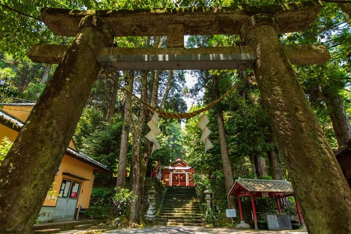 安良神社:飛鳥時代創建 霧島神宮や鹿児島神宮と並ぶ大隅五社のひとつ【霧島市横川町】