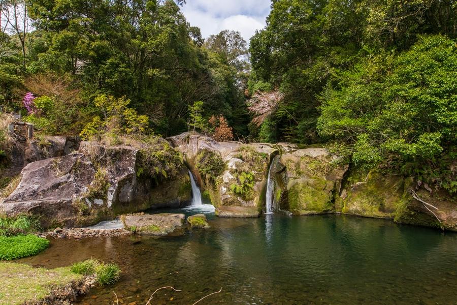 稚児の滝:山間の集落に残る悲しき伝説の滝